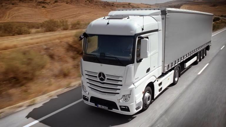 "Mercedes Benz ""Dynamic Lease for Trucks"""