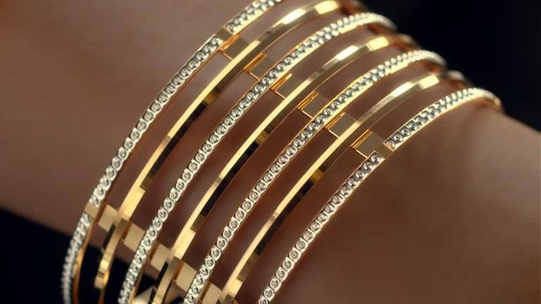 "Au Finja ""Gold Bangle Collection"""